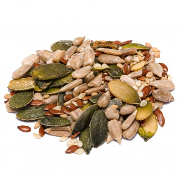 Mixed dried fruit for salads